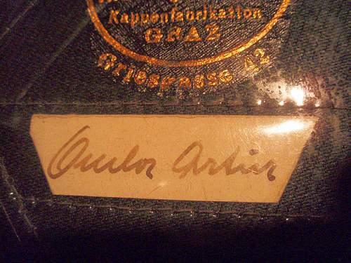 Click image for larger version.  Name:AUSTRIAN SS OFFICER VISOR CAP 001.jpg Views:93 Size:157.6 KB ID:361769