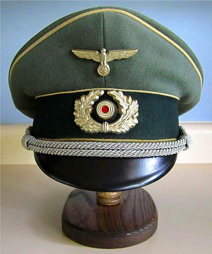 Click image for larger version.  Name:Infantry Officer.jpg Views:97 Size:135.6 KB ID:380564