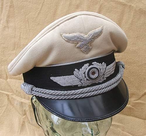 Click image for larger version.  Name:Luftwaffe visor caps 015.jpg Views:236 Size:218.1 KB ID:383481