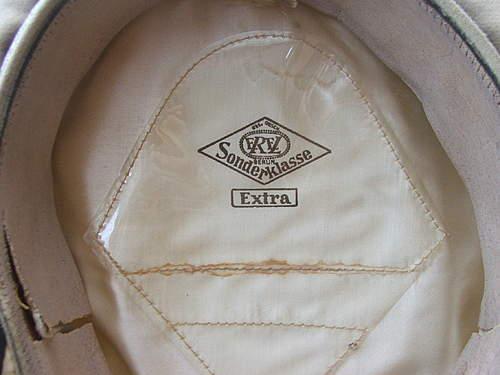 Click image for larger version.  Name:Luftwaffe visor caps 018.jpg Views:131 Size:229.8 KB ID:383484