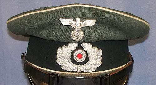 Heer Infantry Enlistedman's Schirmmuetze by Carl Halfar