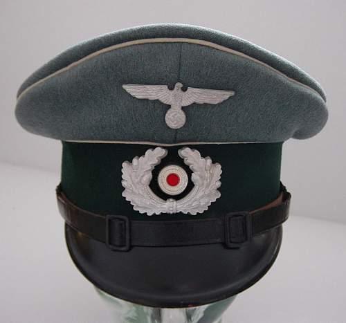Click image for larger version.  Name:Heer Infantry NCO schirmutze..JPG Views:295 Size:85.0 KB ID:4000