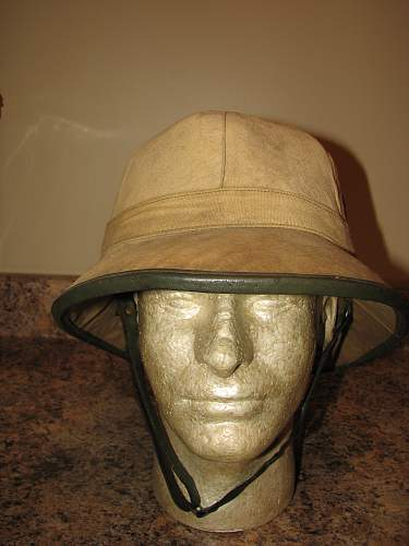 Just a pith helmet