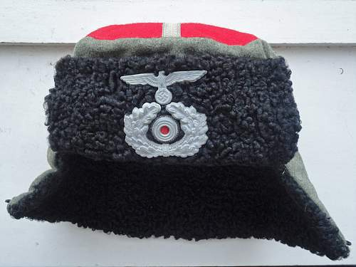 Kubanka for Don regiment 1 and 5, and Kuban regiment 3 and 4.