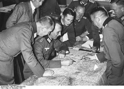 Click image for larger version.  Name:Bundesarchiv_Bild_183-2007-0703-502,_Berlin,_Kriegsakademie.jpg Views:23 Size:67.6 KB ID:459412