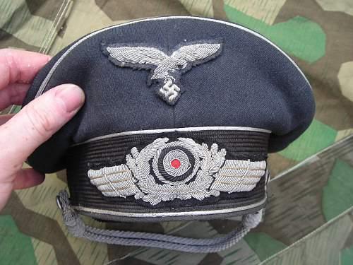 Luftwaffe officer cap question