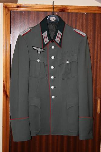 Click image for larger version.  Name:Tunic%20of%20Major%20Heinrich%20Schmeermann%207_%20AR_146%20(mot).jpg Views:150 Size:52.5 KB ID:494437