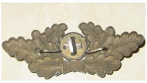 Help-Can anyone identify this visor cap badge?