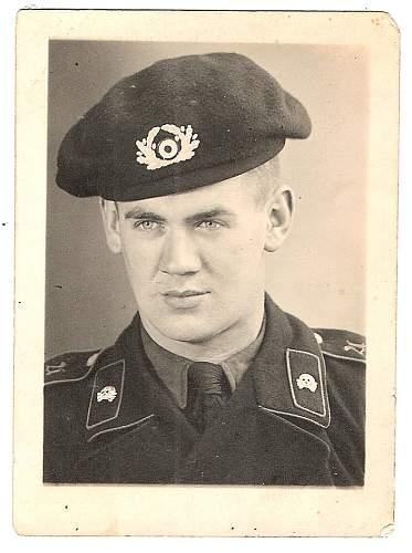 Click image for larger version.  Name:2.Panzer soldier wearing panzer beret (schutzmütze) in studio portrait1.jpg Views:1243 Size:67.3 KB ID:546662