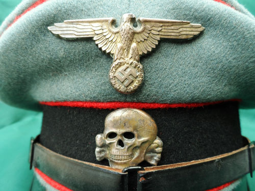 Name:  WW2 WAFFEN SS GERMAN ENLISTED NCO PEAKED CAP ARTILLERY 1.jpg Views: 1654 Size:  50.4 KB