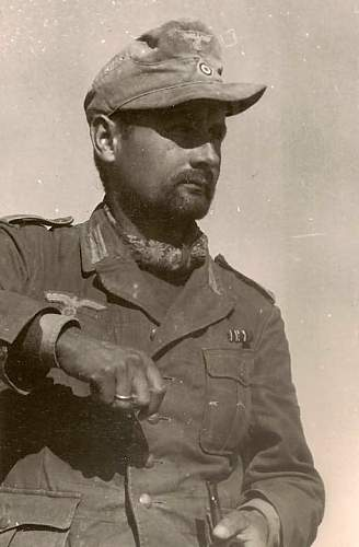 History of the Wehrmacht soft headgear in period photos...