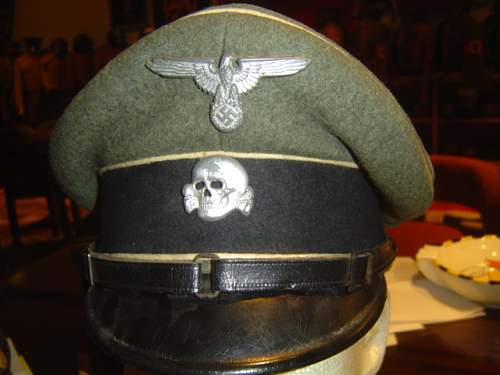 Click image for larger version.  Name:two early SS-VT NCO visor caps 005.jpg Views:51 Size:147.3 KB ID:583243