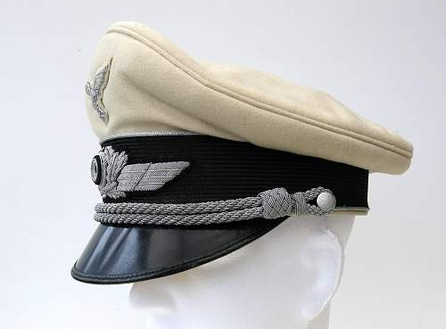 Click image for larger version.  Name:Luftwaffe officer white top v Brauchitsch 004.jpg Views:45 Size:208.8 KB ID:583691
