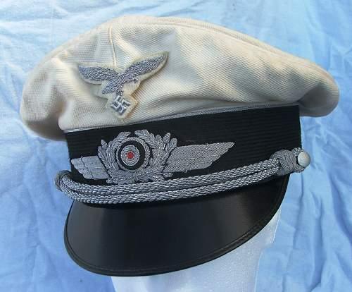 Click image for larger version.  Name:Luftwaffe officer white top visor cap 001.jpg Views:207 Size:217.6 KB ID:583710