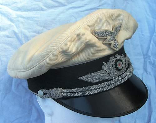 Click image for larger version.  Name:Luftwaffe officer white top visor cap 002.jpg Views:128 Size:217.9 KB ID:583711