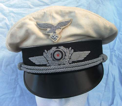 Click image for larger version.  Name:Luftwaffe officer white top visor cap 003.jpg Views:178 Size:217.6 KB ID:583712