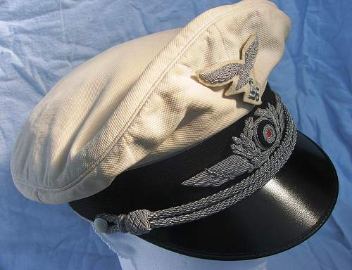 Click image for larger version.  Name:Luftwaffe officer white top visor cap 006.jpg Views:124 Size:222.6 KB ID:583715