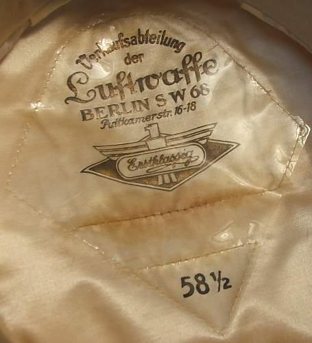 Click image for larger version.  Name:Luftwaffe officer white top visor cap 008.jpg Views:135 Size:160.9 KB ID:583717