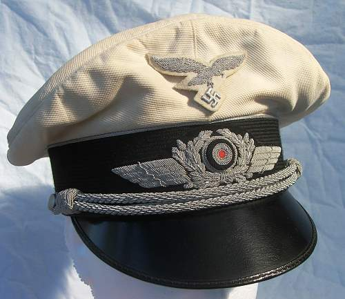 Click image for larger version.  Name:Luftwaffe officer white top visor cap 010.jpg Views:94 Size:216.5 KB ID:583719