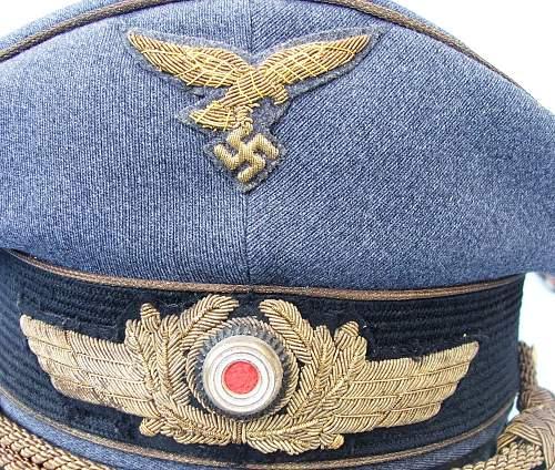 Click image for larger version.  Name:Luft general officer visor cap 006.jpg Views:198 Size:248.1 KB ID:583997