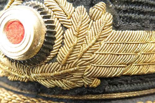 Click image for larger version.  Name:Luftwaffe Erel generals visor cap 016.jpg Views:75 Size:246.6 KB ID:584001