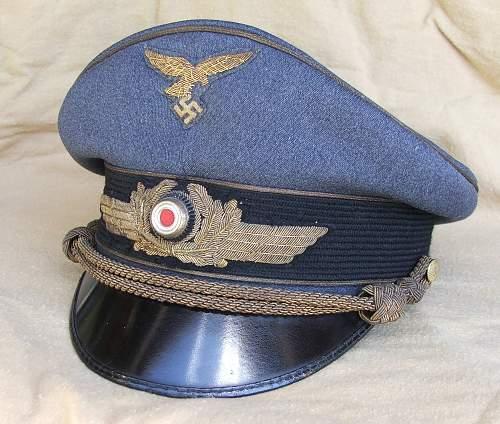 Click image for larger version.  Name:Luftwaffe general's visor cap 001.jpg Views:104 Size:227.9 KB ID:584002