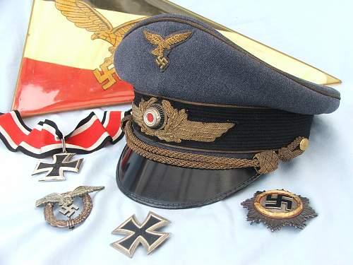 Click image for larger version.  Name:Luft general officer visor cap 001.jpg Views:632 Size:223.3 KB ID:584015