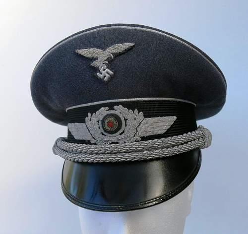 Click image for larger version.  Name:Early Erel Luftwaffe officer visor cap 001.jpg Views:55 Size:127.6 KB ID:584019