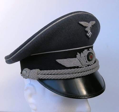 Click image for larger version.  Name:Early Erel Luftwaffe officer visor cap 003.jpg Views:84 Size:114.9 KB ID:584021