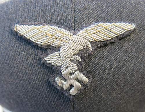 Click image for larger version.  Name:Early Erel Luftwaffe officer visor cap 006.jpg Views:38 Size:232.8 KB ID:584024