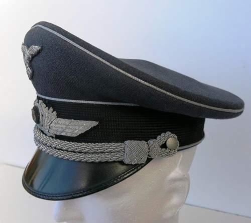 Click image for larger version.  Name:Early Erel Luftwaffe officer visor cap 008.jpg Views:40 Size:114.7 KB ID:584026