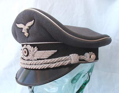 Click image for larger version.  Name:Luftwaffe Officer's Schirmutze 010.jpg Views:841 Size:214.8 KB ID:584030