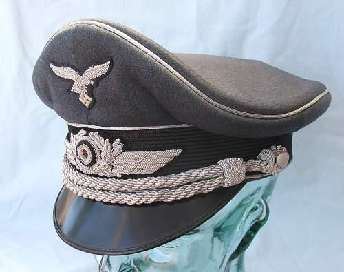 Click image for larger version.  Name:Luftwaffe Officer's Schirmutze 015.jpg Views:116 Size:217.2 KB ID:584034