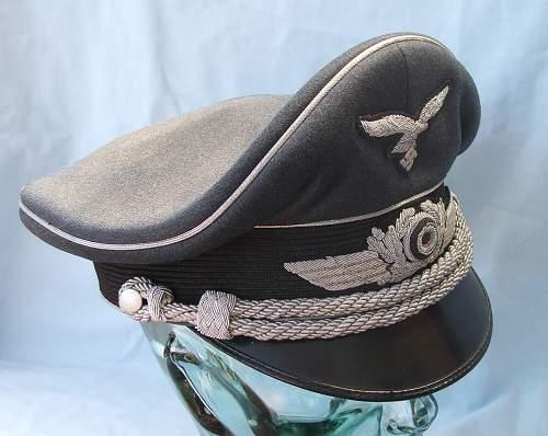 Click image for larger version.  Name:Luftwaffe Officer's Schirmutze 016.jpg Views:59 Size:215.3 KB ID:584035