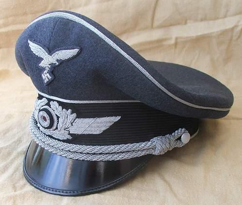 Click image for larger version.  Name:Luftwaffe officer blue top visor caps 005.jpg Views:471 Size:205.8 KB ID:584043