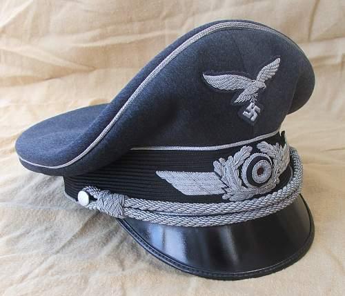 Click image for larger version.  Name:Luftwaffe officer blue top visor caps 006.jpg Views:678 Size:217.2 KB ID:584044