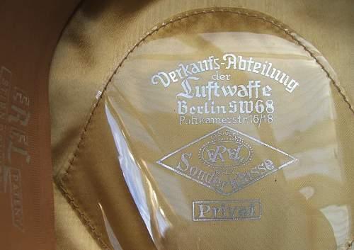 Click image for larger version.  Name:Luftwaffe officer blue top visor caps 008.jpg Views:108 Size:227.2 KB ID:584045