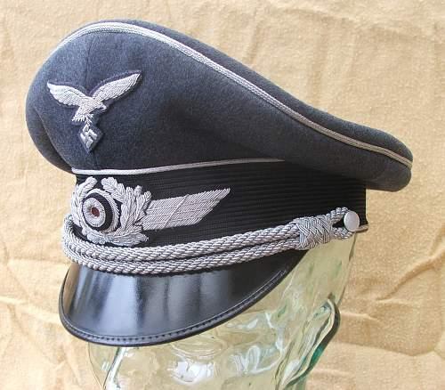 Click image for larger version.  Name:Luftwaffe visor caps 003.jpg Views:1410 Size:221.8 KB ID:584046
