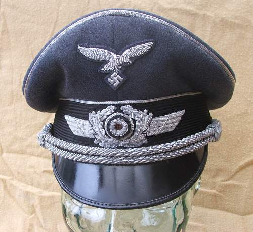 Click image for larger version.  Name:Luftwaffe visor caps 005.jpg Views:220 Size:218.6 KB ID:584048