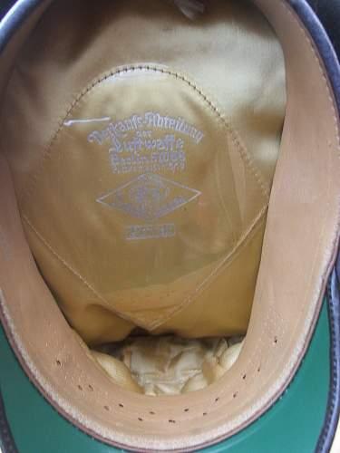 Click image for larger version.  Name:Luftwaffe visor caps 007.jpg Views:100 Size:233.6 KB ID:584050