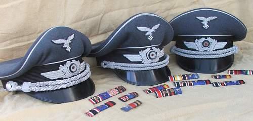 Click image for larger version.  Name:Luftwaffe officer blue top visor caps 002.jpg Views:175 Size:216.0 KB ID:584051