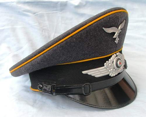 Click image for larger version.  Name:Luftwaffe NCO of flight visor cap 002.jpg Views:75 Size:215.6 KB ID:585619