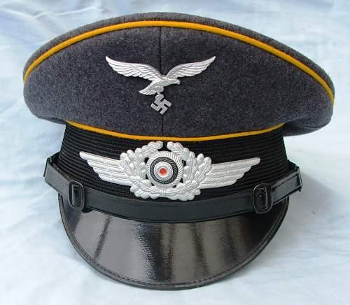 Click image for larger version.  Name:Luftwaffe NCO of flight visor cap 003.jpg Views:186 Size:222.1 KB ID:585620