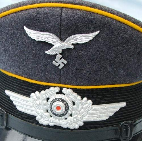 Click image for larger version.  Name:Luftwaffe NCO of flight visor cap 008.jpg Views:85 Size:223.1 KB ID:585625