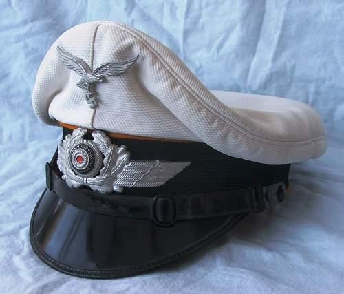 Click image for larger version.  Name:Luftwaffe other ranks flight white top visor cap 001.jpg Views:118 Size:213.1 KB ID:585635