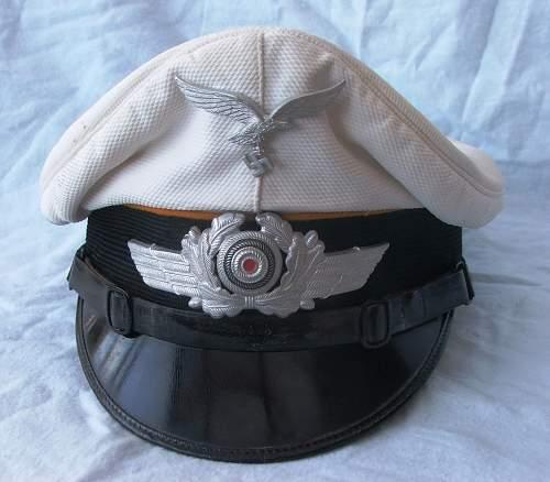 Click image for larger version.  Name:Luftwaffe other ranks flight white top visor cap 003.jpg Views:61 Size:208.3 KB ID:585637