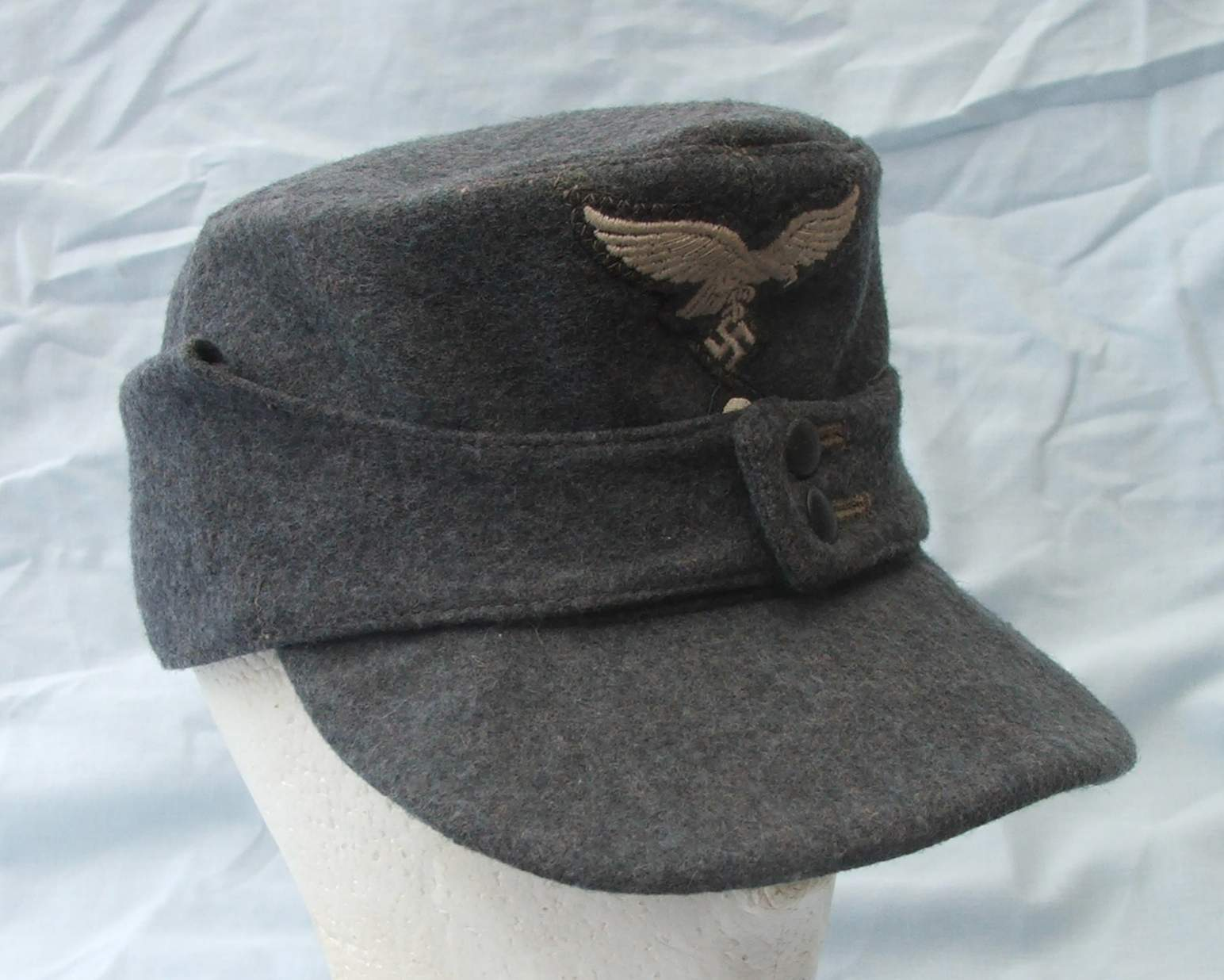 Luftwaffe 1944 Dated Two Piece Insignia Other Ranks M43 Name Acjpgviews 7775size 418 Kb Luft 43 Cap 002 Views