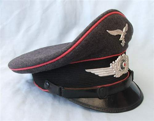 Click image for larger version.  Name:LW Engineers NCO visor cap 004.jpg Views:218 Size:40.0 KB ID:58572