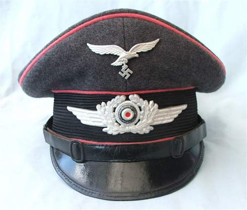 Click image for larger version.  Name:LW Engineers NCO visor cap 005.jpg Views:222 Size:47.7 KB ID:58573