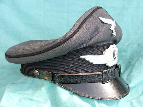 Click image for larger version.  Name:Black piped LW visor cap 003.jpg Views:120 Size:225.4 KB ID:586000